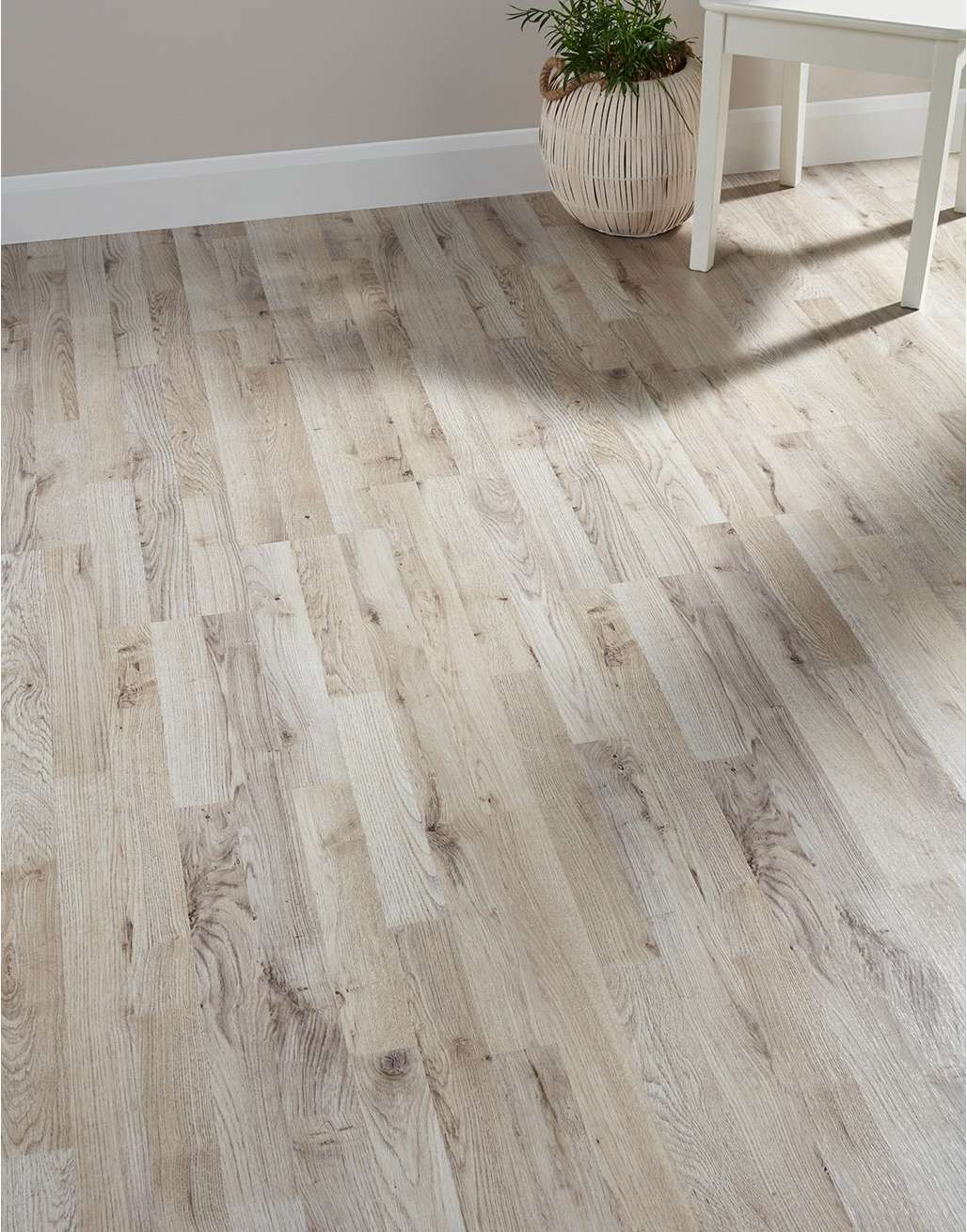 Why Should Not You Choose Laminate Flooring Material